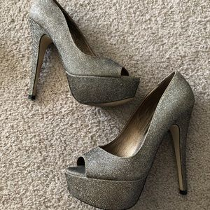Gold glitter peep toe heels with netting details